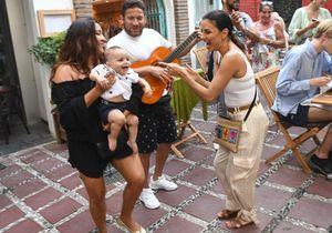 Eva Longoria en vacances avec son fils Santiago : comme il a grandi !