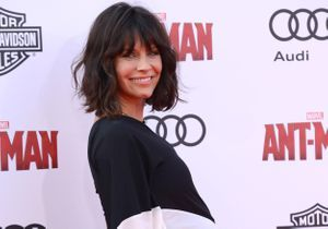 Evangeline Lilly dévoile sa seconde grossesse sur tapis rouge