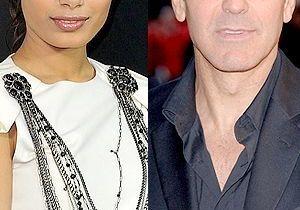 George Clooney craque pour Freida Pinto