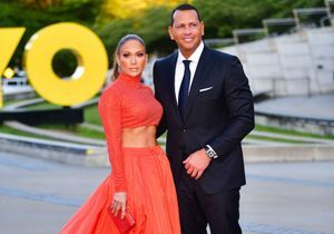 « J'ai le cœur brisé » : Jennifer Lopez très affectée par le report indéfini de son mariage avec Alex Rodrigues