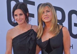 Jennifer Aniston et Courteney Cox : leur avion frôle l'accident