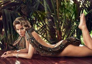 Jennifer Lawrence pose nue avec un boa