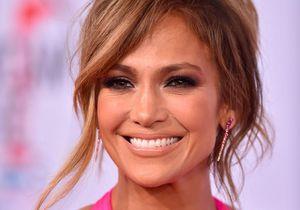 Jennifer Lopez : elle dévoile sa plastique incroyable dans une robe peu couvrante