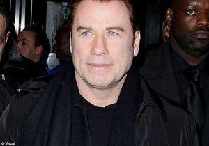 John Travolta acclamé en banlieue parisienne