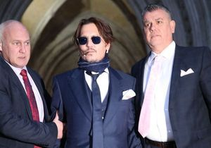 Johnny Depp : « Brûlons Amber », ses textos parlant de son ex-femme dévoilés au tribunal