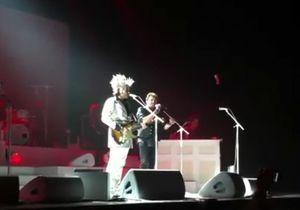 Johnny Hallyday remonte sur scène aux côtés de M