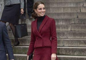 Kate Middleton : découvrez les 4 choses qu'elle garde toujours dans son sac à main