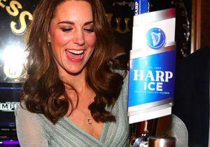 Kate Middleton, derrière le bar, pour vous servir !