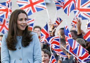 """Kate Middleton : """"Le bébé donne tous le temps des coups"""""""