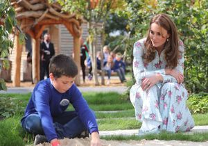 Kate Middleton radieuse et entourée d'enfants : elle séduit son public