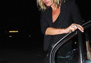 Kate Moss adopte le carré long