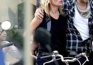 Kate Moss et Jamie Hince affolent les Tropéziens !