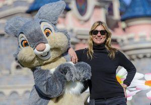 Kate Moss sèche les défilés pour une virée à Disneyland Paris
