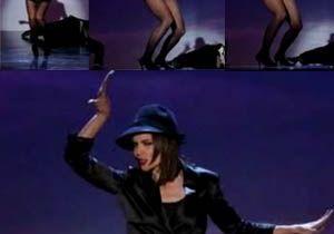 Katie Holmes danse et chante ! Regardez !