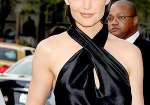 Katie Holmes, styliste... pour la Scientologie !