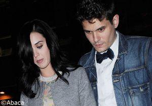 Katy Perry officialise sa relation avec John Mayer