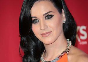Katy Perry s'éloigne de Rihanna à cause de Chris Brown