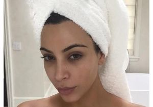 Kim Kardashian : sa séance photo en pyjama et sans maquillage