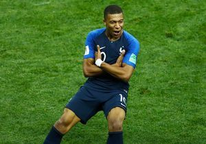Kylian Mbappé : la star des Bleus fête ses 21 ans !