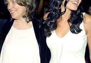 La mère d'Angelina Jolie, plus belle que sa fille ?