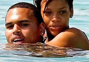 La mère de Rihanna : « Chris Brown a un pouvoir sur elle »