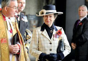 La princesse Anne rend hommage à son père, le prince Philip