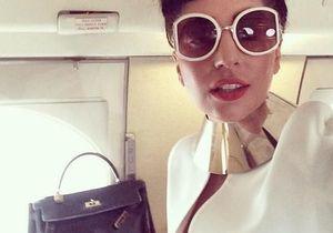 Lady Gaga montre un sein sur Instagram