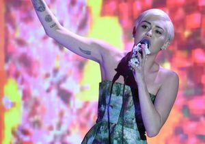 Le look du jour: Miley Cyrus en a fini avec le trash!
