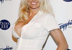 Le secret de Pamela Anderson ? Pas de protection au soleil !