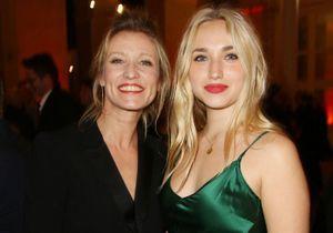 Les retrouvailles complices d'Alexandra Lamy, son ex-compagnon et leur fille Chloé au concert d'Angèle