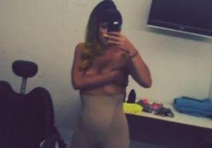 Lily Allen se filme topless sur Instagram