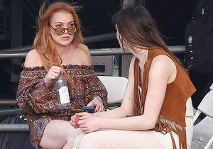 Lindsay Lohan rechute en buvant de la vodka à Coachella