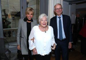 Line Renaud : très émue aux côtés de Brigitte Macron, Claude Chirac et Muriel Robin