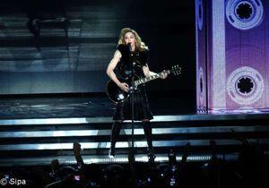 Madonna associe Marine Le Pen à une croix gammée