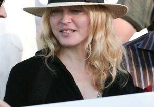 Madonna ne désespère pas d'adopter Mercy James