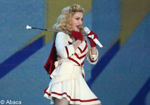 Madonna s'énerve contre ses fans à cause d'une cigarette