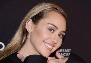 Miley Cyrus ressuscite son personnage d'Hannah Montana et rend la Toile dingue !