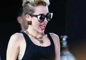 Miley Cyrus se dénude sur des T-shirts
