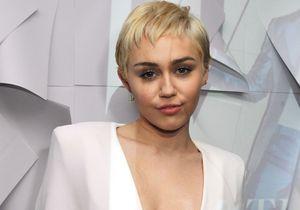 Miley Cyrus totalement nue dans le magazine V