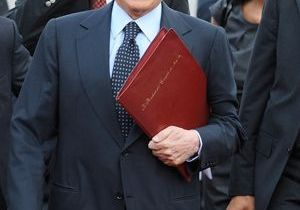 "Noemi : ""Je ne suis pas la cause du divorce de Berlusconi"""