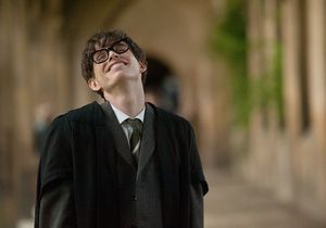 Oscars 2015 : Stephen Hawking « très fier » d'Eddie Redmayne