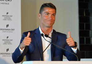 Pourquoi Cristiano Ronaldo met-il du vernis à ongles sur ses pieds?