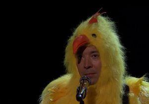 #PrêtàLiker : quand Jimmy Fallon se déguise en poule pour reprendre Alanis Morissette
