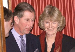 Prince Charles et Camilla : leur supposé fils illégitime dévoile une photo troublante d'Elisabeth II