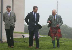 Prince Charles : son apparition remarquée en kilt lors d'une visite en Écosse