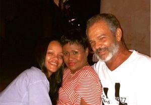 Réconciliée avec son père, Rihanna prend la pose avec ses parents