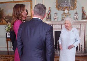 Reine Elizabeth II : pourquoi a-t-elle une main violette ?