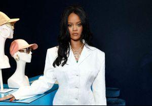 Rihanna pose seins nus et crée la polémique en Inde