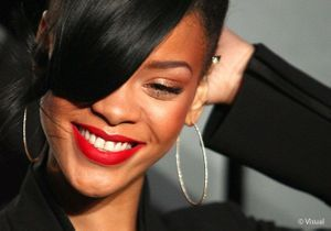 Rihanna : sous le charme d'Alexander Skarsgård