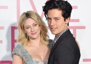 Riverdale : tapis rouge en amoureux pour Cole Sprouse et Lili Reinhart